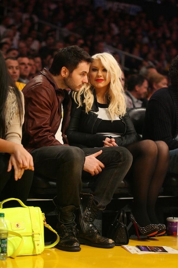 Christina Aguilera au match des Lakers le 29 mars avec Matt Rutler !