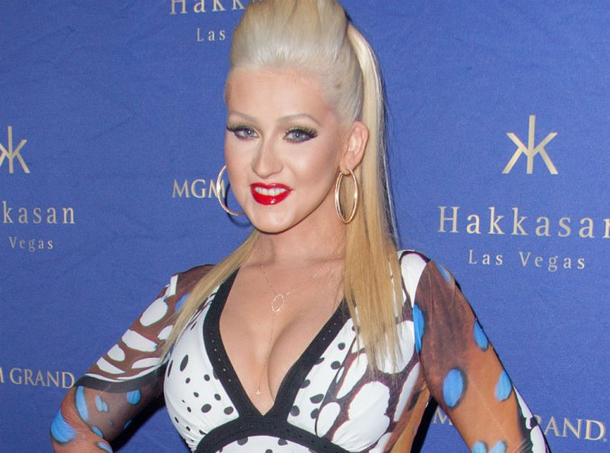 Christina Aguilera ne veut pas qu'on la regarde dans les yeux !