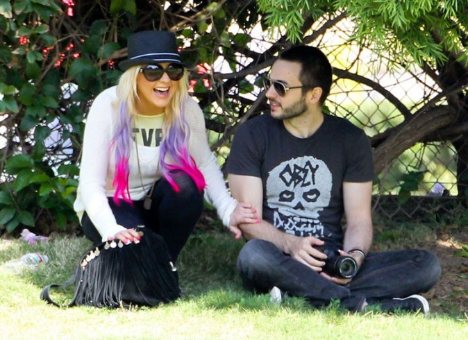Christina Aguilera en famille à Studio City le 7 octobre 2012