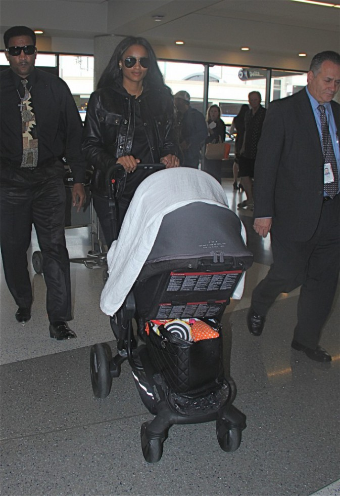 Photos : Ciara : maman rock, jamais sans son baby boy !