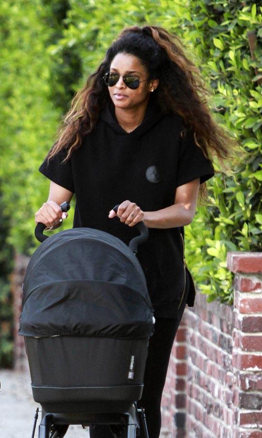 Ciara à Beverly Hills avec son baby boy Future Zahir Wilburn le 7 juin 2014