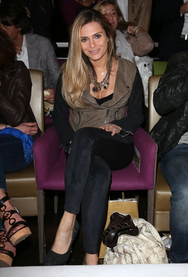 Clara Morgane au défilé des marques Marreziani et Le Cap à Suresnes le 18 avril 2013