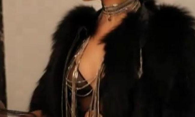 Les coulisses du calendrier 2012 de Clara Morgane !