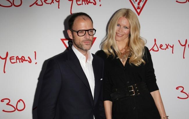 Claudia Schiffer et Matthew Vaughn lors des 30 ans de la marque Guess à Paris, le 3 mai 2012.
