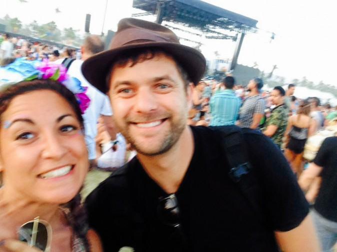 Le selfie avec Joshua Jackson : check ! Coachella Jour 3