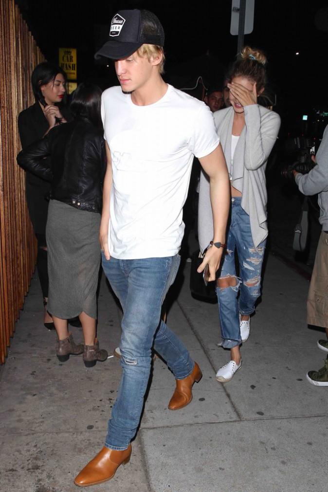 Cody Simpson et Gigi Hadid : en mode décontracté pour aller dîner !