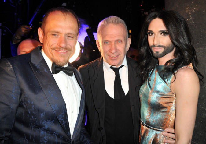 "Photos : Conchita Wurst : après Nabilla, Jean Paul Gaultier craque pour la ""queen"" barbue !"