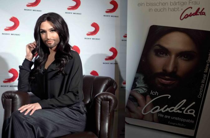 Conchita Wurst : en plus de son nouveau single, elle présente son autobiographie !