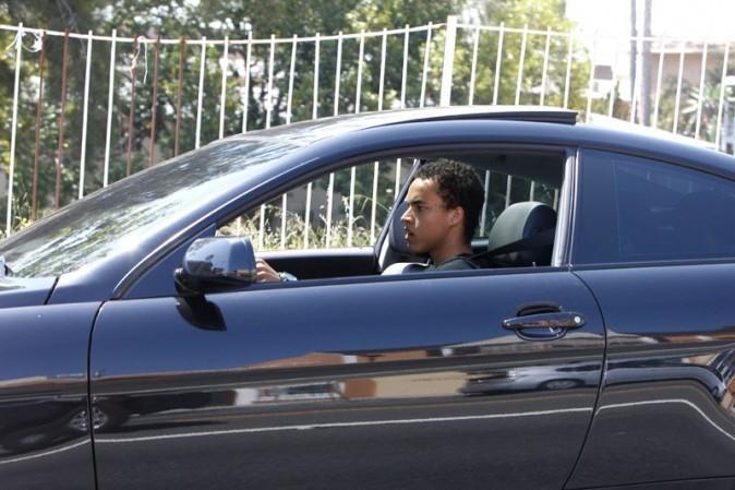 Connor Cruise très concentré au volant de sa grosse BMW !