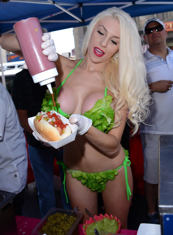 Courtney Stodden en promo pour la PeTA à Los Angeles, le 31 juillet 2013.