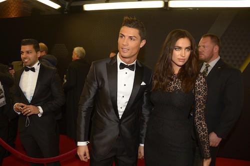 Photos : Cristiano Ronaldo : chic et glamour avec Irina Shayk pour recevoir son Ballon d'Or !