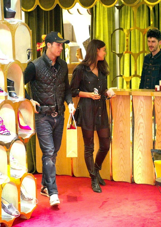 Cristiano Ronaldo et Irina Shayk en plein shopping à Madrid le 12 mars 2013
