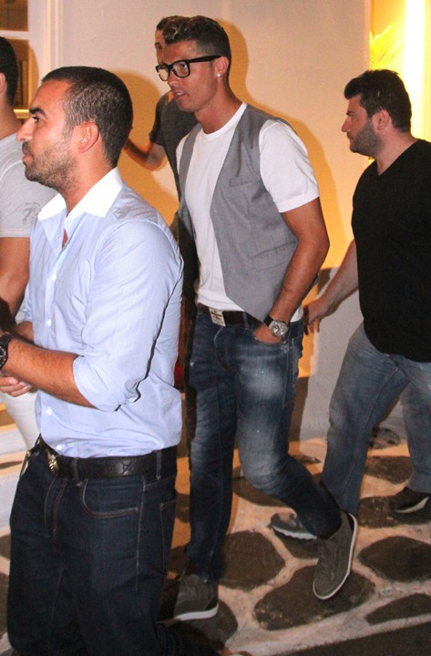 Cristiano Ronaldo en vacances à Mykonos le 3 juillet 2014