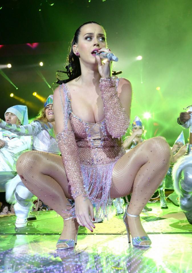 Katy Perry, sur scène lors du Capital FM Jingle Bell Ball, à Londres le 8 décembre 2013.