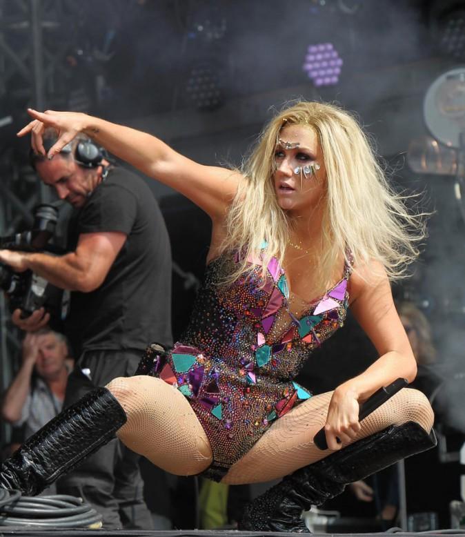 Ke$ha sur scène au Yahoo! Wireless Festival le 13 juillet 2013.