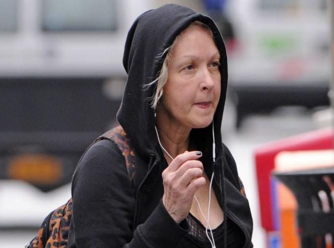 """Cyndi Lauper évoque sa terrible maladie : """"J'avais l'impression de ressembler à Elephant Man"""" !"""