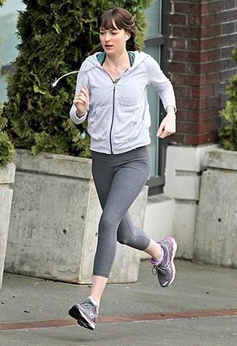Dakota Johnson à Vancouver le 14 février 2014