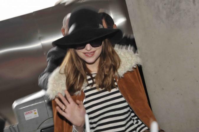 Dakota Johnson : à peine arrivée à Berlin, déjà assaillie par ses fans !