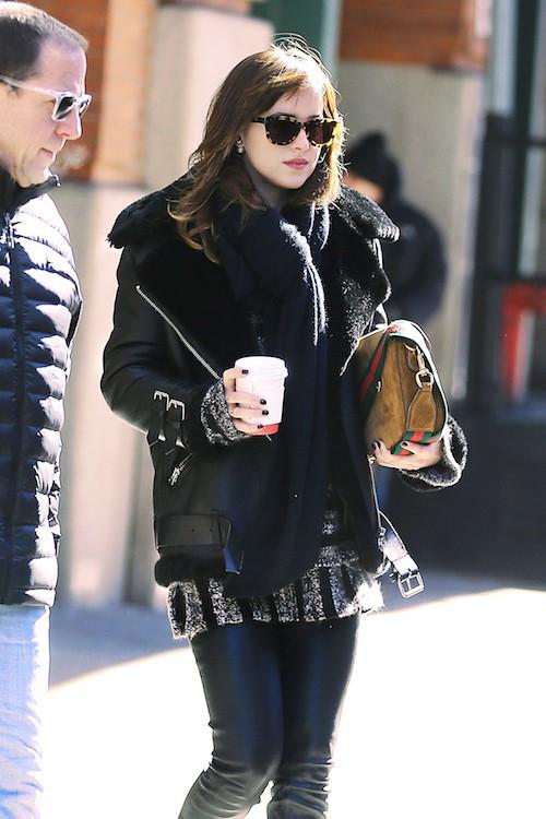 Photos : Dakota Johnson : sexy pour Cosmo, elle retrouvera bien Jamie Dornan dans la suite de 50 Shades !