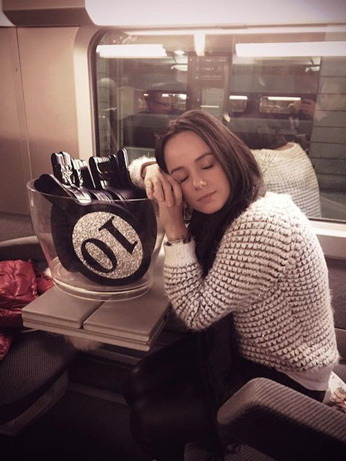 Alizée dans le train pour Nantes