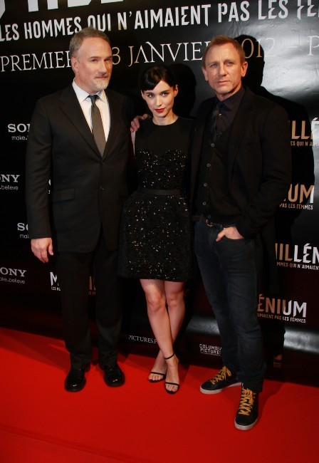 David Fincher, Rooney Mara et Daniel Craig lors de la première du film Millenium à Paris, le 3 janvier 2011.