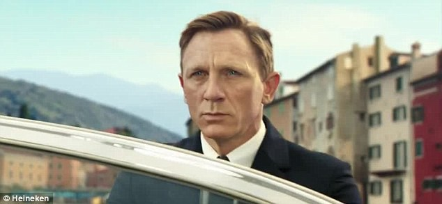 Daniel Craig dans la pub Heineken