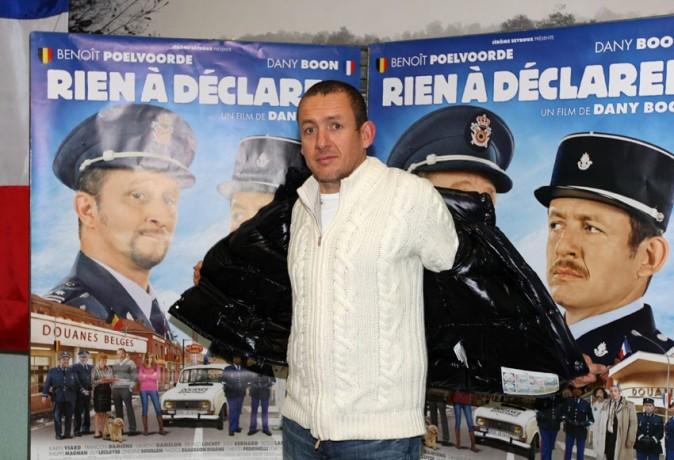 Il n'hésite pas à tomber la veste et mouiller la chemise pour faire la promotion de son nouveau film !