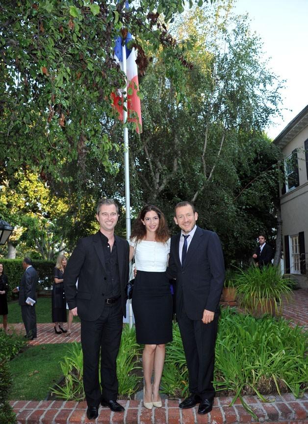 """Dany Boon, sa femme Yael, et David Martinon lors de la soirée """"An Evening With Dany Boon"""" à Beverly Hills, le 14 septembre 2011."""