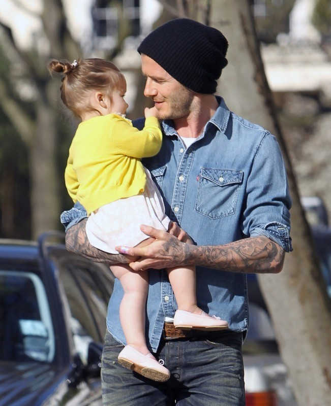 David Beckham et Harper à Londres, le 24 avril 2013