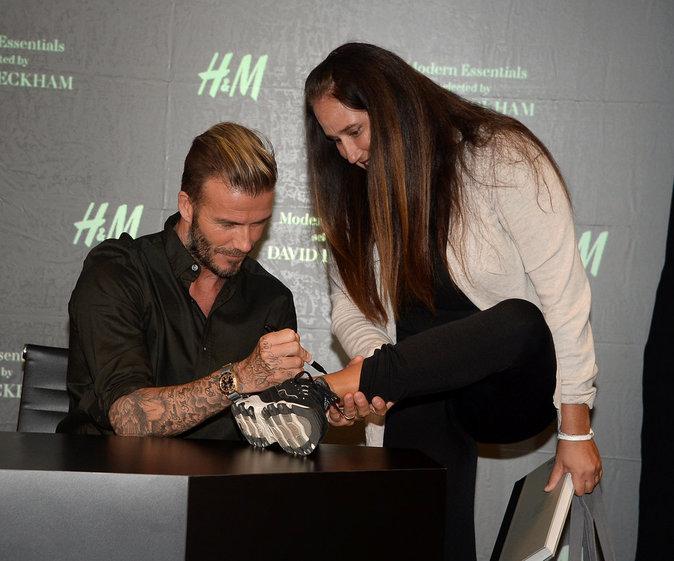 David Beckham n'a pas hésité à signer des autographes à ses fans