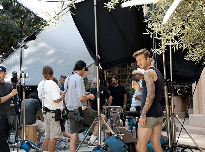 photos david beckham tellement sexy sur le tournage de la nouvelle pub h m. Black Bedroom Furniture Sets. Home Design Ideas