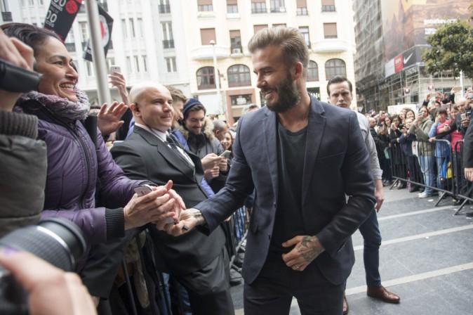 Photos : David Beckham : une égérie H&M proche de ses fans !