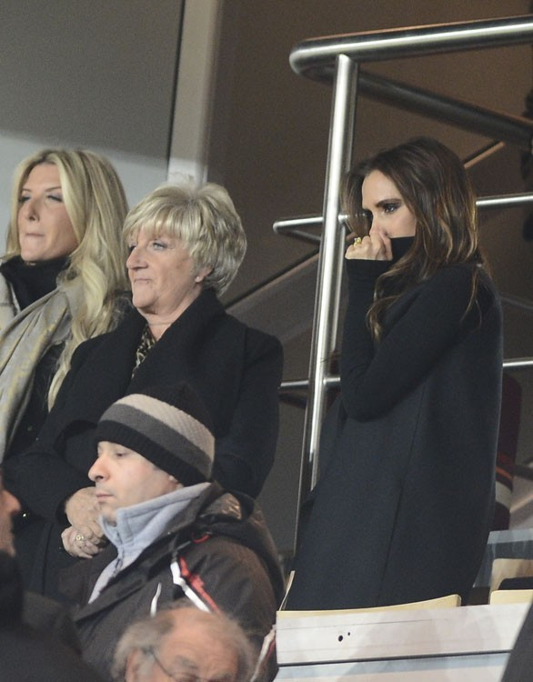 Victoria et Sandra Beckham au Parc des Princes de Paris le 24 février 2013