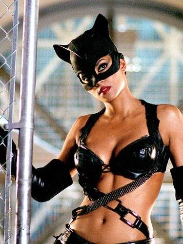 Halle Berry (Catwoman dans... Catwoman, voyons)