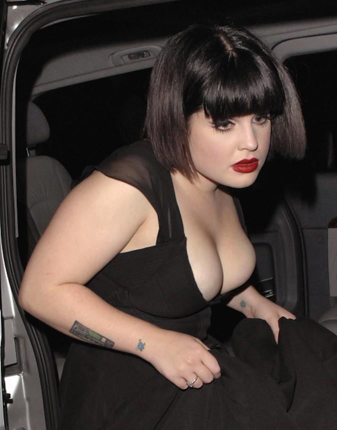 Kelly Osbourne avant sa réduction mammaire !