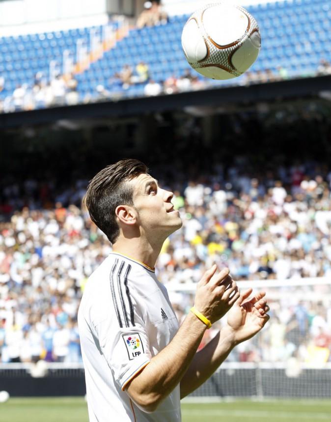 Gareth Bale, lors de sa présentation dans son nouveau club au stade Santiago Bernabeu, le 2 septembre 2013