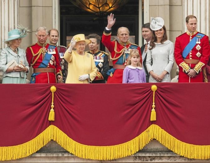 God save the Queen ! La famille royale britannique a marqué les esprits en 2012.