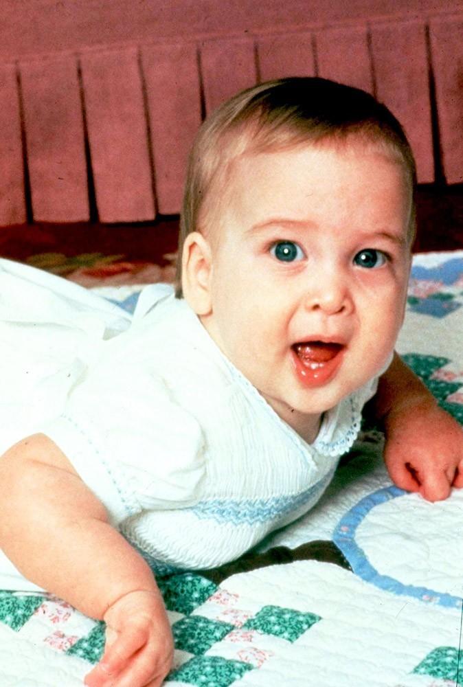 Photos : on se perd dans les yeux bleus du Prince William