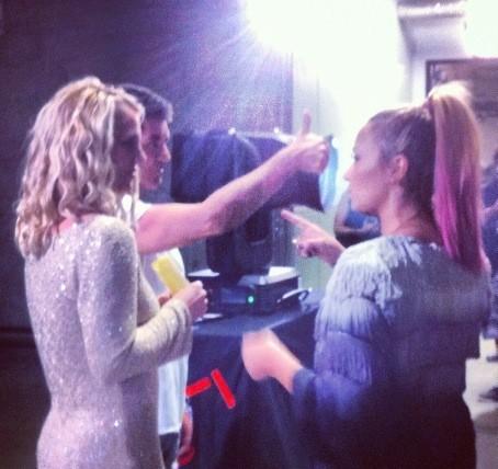 Demi Lovato et Britney Spears pour les auditions d'X Factor à San Francisco le 16 juin 2012
