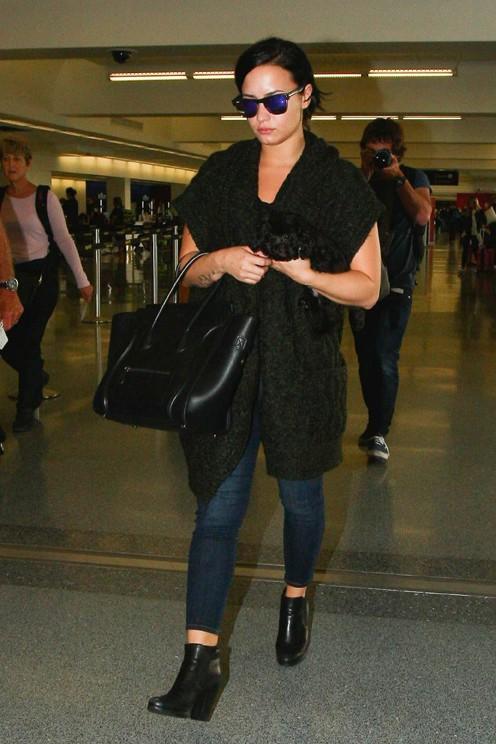 Demi Lovato à l'aéroport de Los Angeles le 28 septembre 2015
