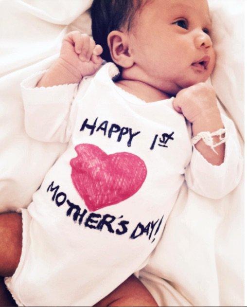 La petit Luna, fille de John Legend et Chrissy Teigen
