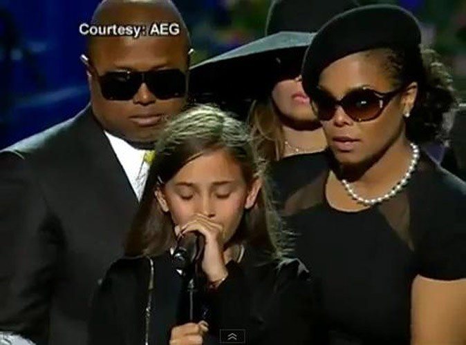 Photos : Paris rend hommage à son père, le 2 juillet 2009 au Staples Center