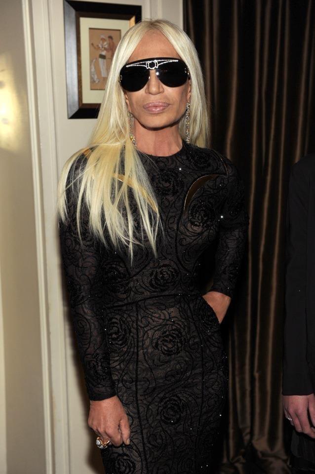 Donatella Versace lors du dîner Versace Eyewear à Paris, le 23 janvier 2012.