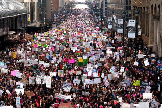 Photos  :  Les stars nombreuses au rendez-vous de la Marche Des Femmes contre Donald Trump