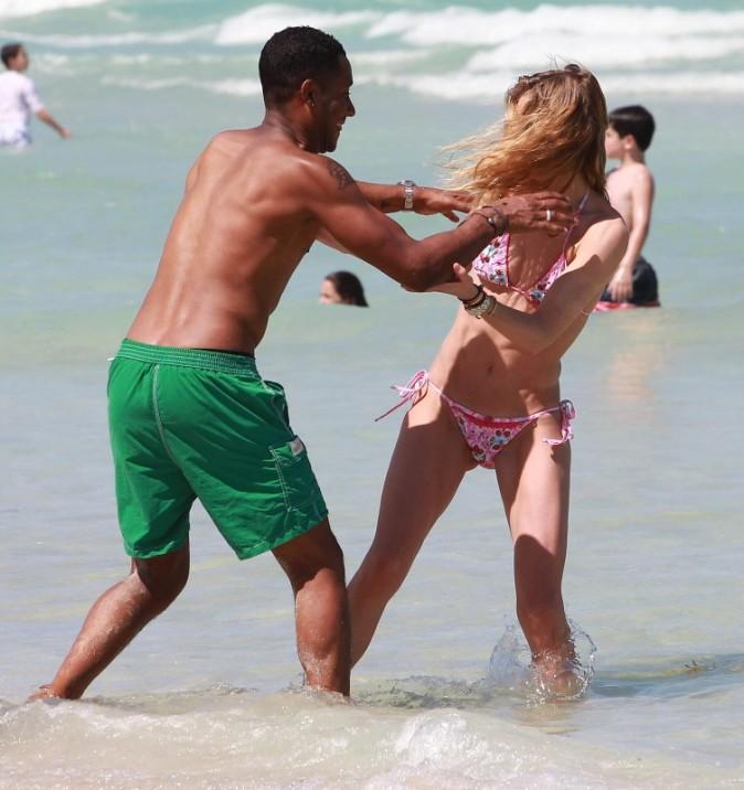 Doutzen Kroes et son mari en vacances à Miami, le 28 avril 2013.