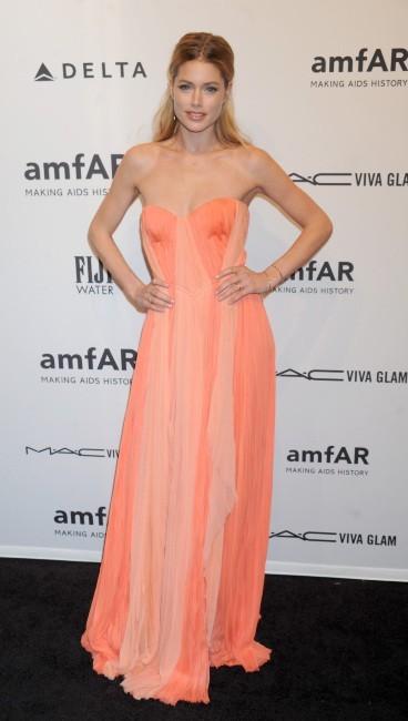 Doutzen Kroes lors du gala de l'amfAR à New York, le 6 février 2013.