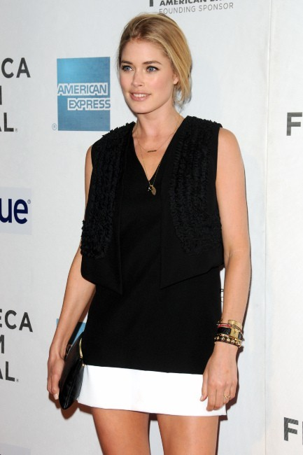 Doutzen Kroes lors de la première du film Mansome à New York, le 22 avril 2012.