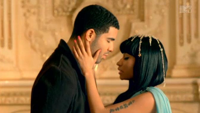 Drake et Nicki Minaj dans le clip Moment for Life en 2011