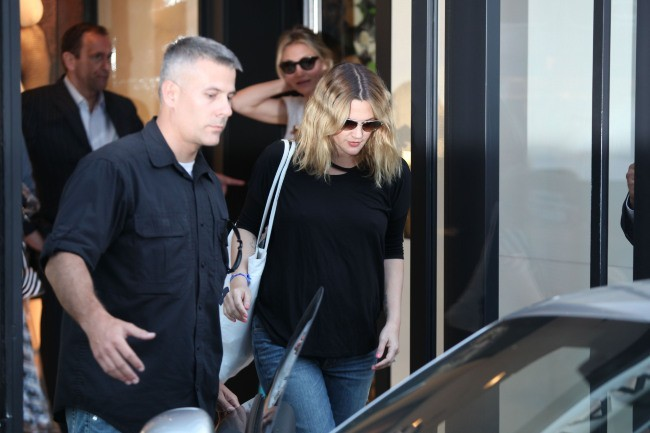 Drew Barrymore et Cameron Diaz sortant de la boutique Chanel à Beverly Hills, le 30 mai 2012.