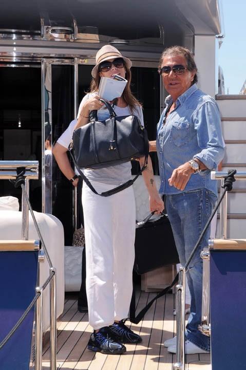 Elisabetta Canalis et Roberto Cavalli à Cannes, le 17 mai 2011.